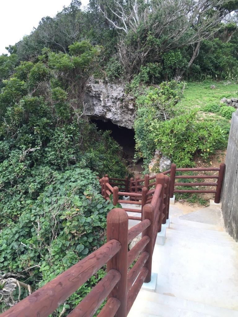 ニャティヤ洞窟